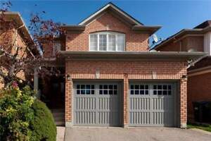 Original Owners!! 4 Bdrm Detached 2-Storey Home In Brampton