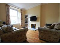 Attractive 2 bedroom ground floor flat in Haymarket available June – NO FEES