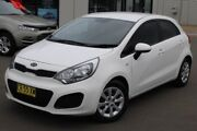 2012 Kia Rio UB MY12 S White 6 Speed Manual Hatchback Run-o-waters Goulburn City Preview