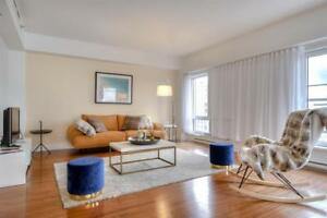 Luxurious Penthouse -Downtown-Ensuite Laundry, gym and terrace!