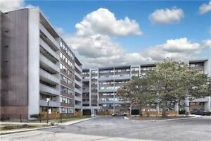 Erin Mills And Qew Location. Two-Level Stacked Townhouse