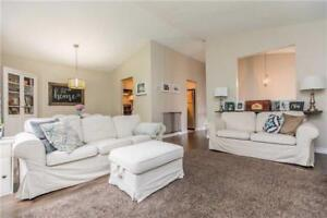 Unfurnished 3 Beds House For Rent in North Barrie/ Avail Immedi.