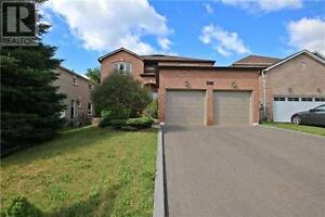 349 Kirby Cres Newmarket Ontario Home for sale!