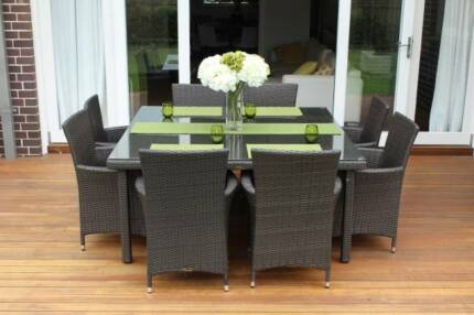 WICKER DINING SETTING, 8 SEATS, B/NEW,EUROPEAN STYLING