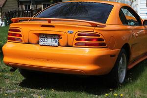 1994 Ford Mustang 3.8L Accidenté, mécanique non touchée, avec Ma