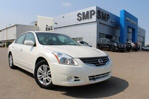 2012 Nissan Altima S - Powered Seats, Alloy Rims, PST Paid