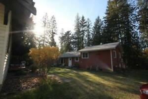 Kootenay Lake Home just Minutes from the Beach!