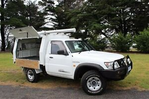 2001 Nissan Patrol GU DX (4x4) White 5 Speed Manual 4x4 Beaconsfield Cardinia Area Preview