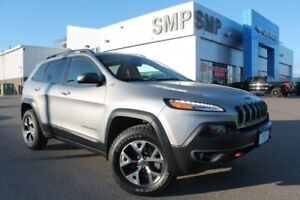 2016 Jeep Cherokee TrailhawkTrailhawk - V6, Leather, Panoramic S