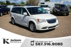 2011 Chrysler Town & Country Touring - DVD, NAV, Rear View Camer
