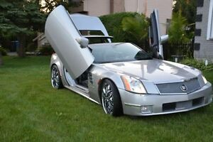 2006 Cadillac XLR Sport Coupe (2 door)Open vertical/horizontal