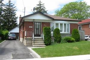 AT KENNEDY/ELLESMERE 3 BED BUNGALOW! 2 BED BASEMENT APARTMENT!