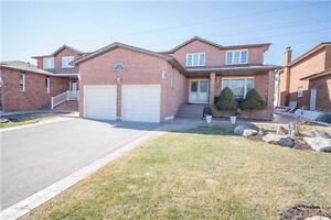 What A Home In Woodbridge!! 5 Bd and Bath! Investment for Family