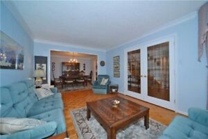 SPACIOUS 4+1Bedroom Detached House @VAUGHAN $1,099,900 ONLY