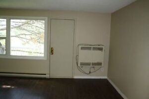 2 bedroom stacked townhouse - excellent location Kitchener / Waterloo Kitchener Area image 4