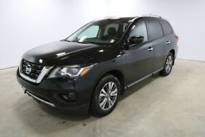 2018 Nissan Pathfinder 4WD SL Accident Free,  Navigation,  Leath