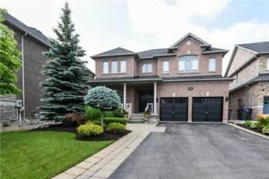 Fully Upgraded Detached Home 4+1 Bdrm And 5 Washroom