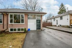 Bright, spacious & updated 3Bdr upper unit for rent in Newmarket