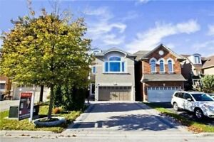 Beautiful house for rent in Richmond Hill ( Bayview & Major Mac)