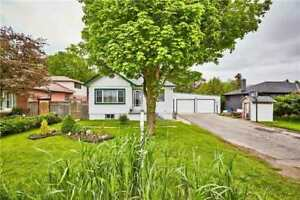 HUGE Bungalow for Lease in Prime Location!