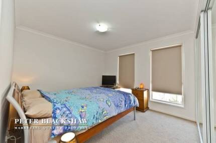 ROOM in quiet 3-bedroom sharehouse in Franklin + unlimited NBN