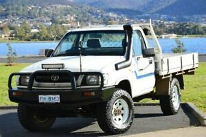 2001 Toyota Hilux LN167R White 5 Speed Manual Cab Chassis
