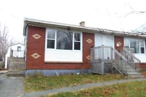12-171 Well priced,well maintained 3 bedroom semi. Dartmouth.