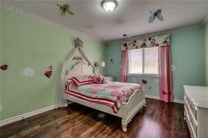 Spacious & Bright 4 Beds,4 Bath Detached House In Waterloo Cambridge Kitchener Area image 9
