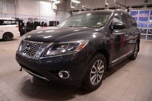 2013 Nissan Pathfinder SL AWD Leather,  Heated Seats,  3rd Row,