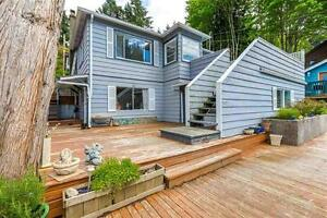 Stunning 3 Bedroom Home with Amazing Views in Lower Gibsons, BC