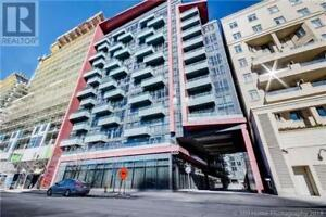 Heart Of King West 1Br+Den 1Wr Prkng Sbwy TTC QEW 560 FRONT ST W