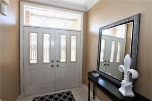FABULOUS 3 Bedroom Detached House in VAUGHAN $925,000 ONLY