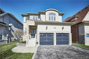 Beautiful house available for rent in Whitby North