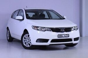 2013 Kia Cerato TD MY13 SI White 6 Speed Manual Hatchback Wadalba Wyong Area Preview