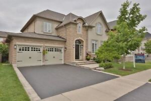 House FOR RENT in Oakville_Detached Home 4 Bdrm/4Wshrm/Fin bsmnt