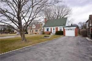 Perfect Downsize Or Starter Home In Lakeview