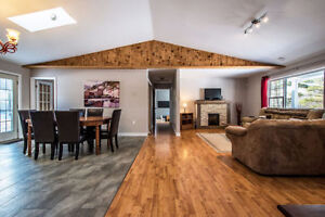 Stunning Bunglaow,Open Concept and Modern finishes 554 Oldham