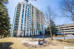 Immaculate Waterfront Condo for Lease !