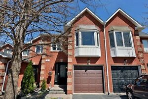 Gorgeous & Spacious 3 Bedroom Oakville Townhome - Move in now!