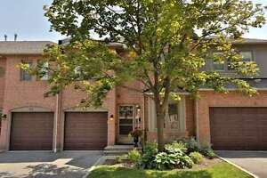 Executive Townhome 3 Bed / 4 Bath For Sale In Erin Mills Complex