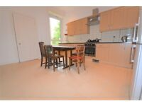 Very spacious 5 bed Festival flat near the Meadows available August