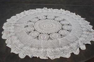 nappe en dentelle crochetée 32 pouces + 4 rideaux en dentelle