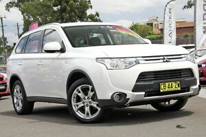 2014 Mitsubishi Outlander ZJ MY14.5 ES 4WD White 6 Speed Constant Variable Wagon Blacktown Blacktown Area Preview