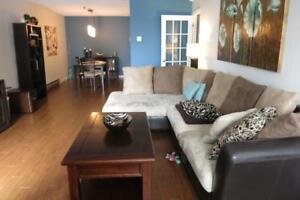 15-011 Two level Condo. Very attractive with interesting layout!