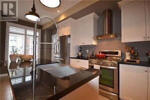 Premium End-Unit Townhome, 3Beds, 2Baths, 181 PLAINS RD W Oakville / Halton Region Toronto (GTA) image 3