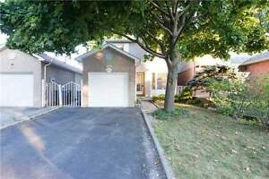 Beautiful Cozy Home Located In Desirable Meadowvale Area!