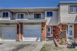 Spacious 3 Bedroom Town Home Walking Distance To Pickering Mall
