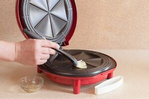 New Price: Santa Fe 900-Watt Quesadilla Maker for $20.00