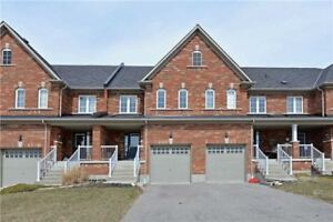 Open-Concept 3 Bdrm Freehold Townhome In Whitby