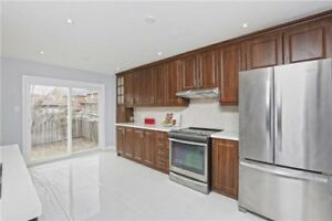 FABULOUS 4+2Bedroom Detached House @BRAMPTON $799,900 ONLY